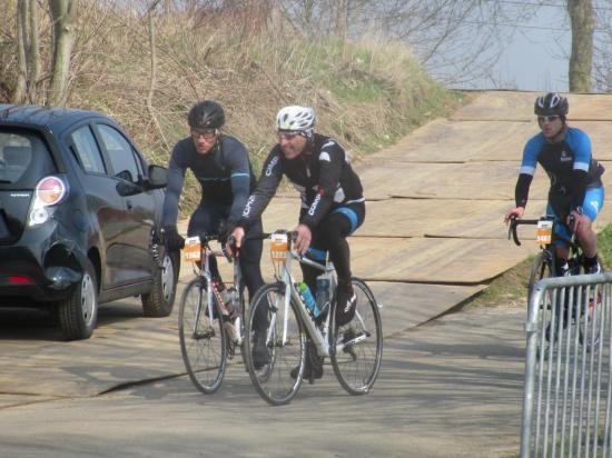 Laurent et Olivier au sommet du Vieux Kwaremont