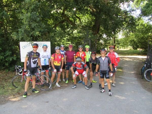 Devant le château j Anquetil