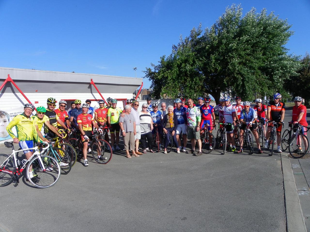 L'ensemble des cyclos participants